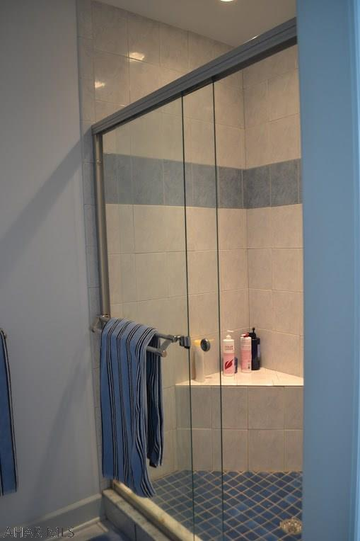 Master shower, ceramic tile